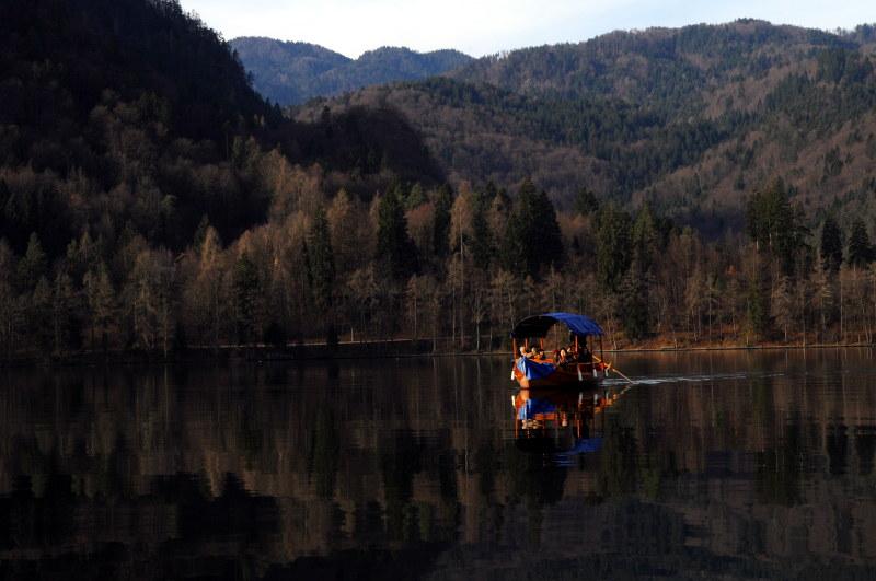 pletna boat, bled lake