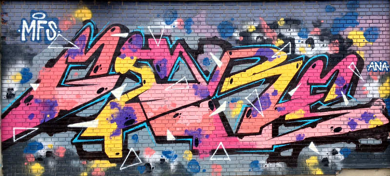 Pink zig zag graffiti
