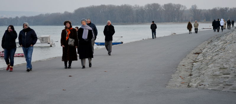 Strolling along the riverwalk in Zemun during January