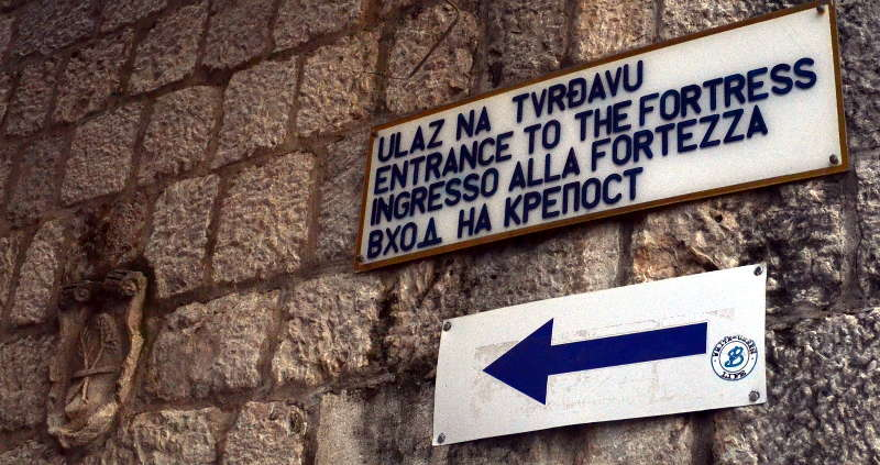 Signage to Saint John's in Kotor - Meanderbug