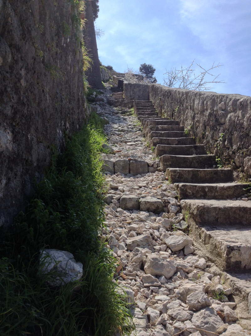 Swithback trail leading up to St. John's Fortress in Kotor - Meanderbug