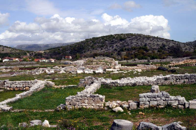 city ruins, duklja, podgorica, montenegro - meanderbug