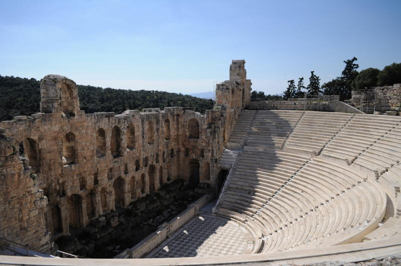 The amphitheater on the acropolis in Athens - meanderbug