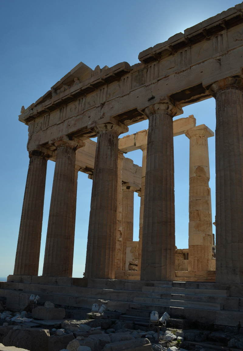 Greek Parthenon in Athens - meanderbug