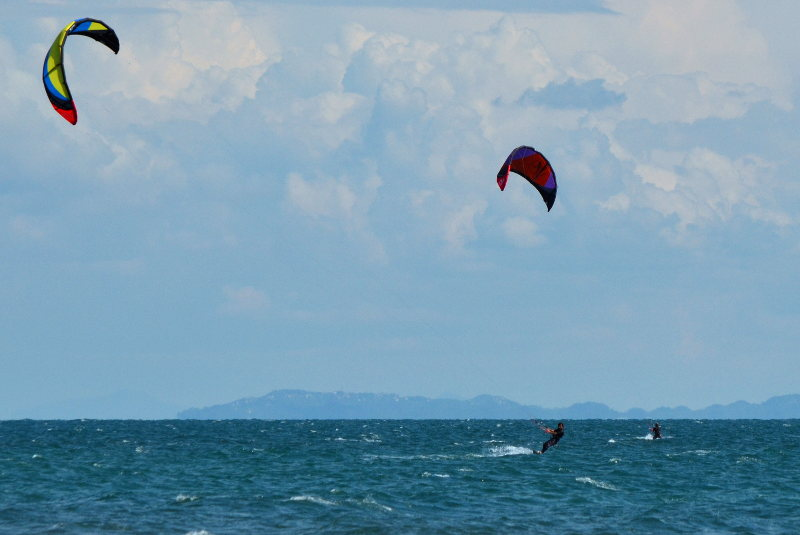 Kitesurking Long Beach in Montenegro - meanderbug