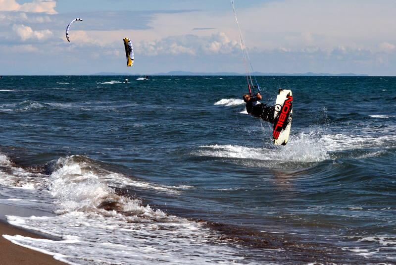 Kitesurfing Long Beach - meanderbug