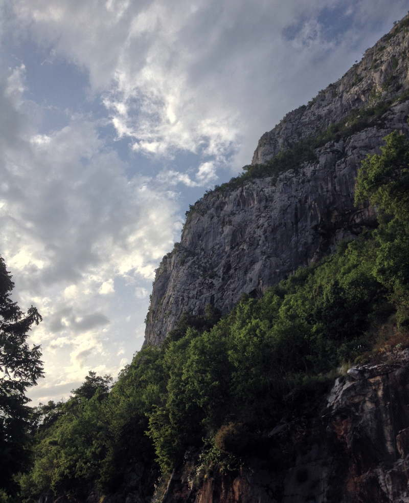 Looking up from Ostrog - meanderbug