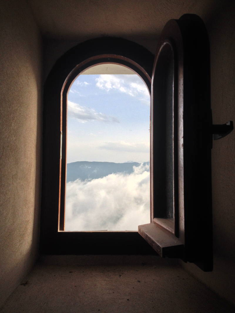 Looking out at the heavens from Ostrog - meanderbug