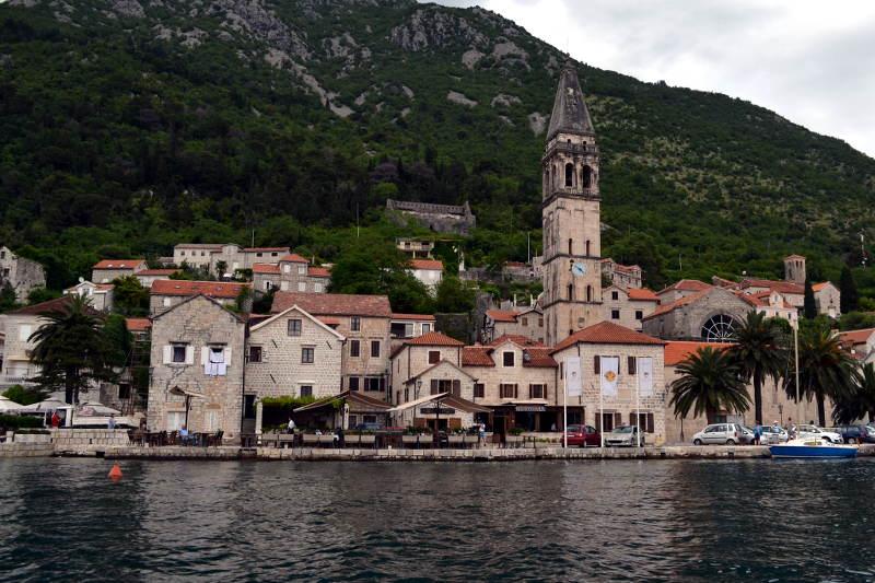 Perast, Montenegro - meanderbug