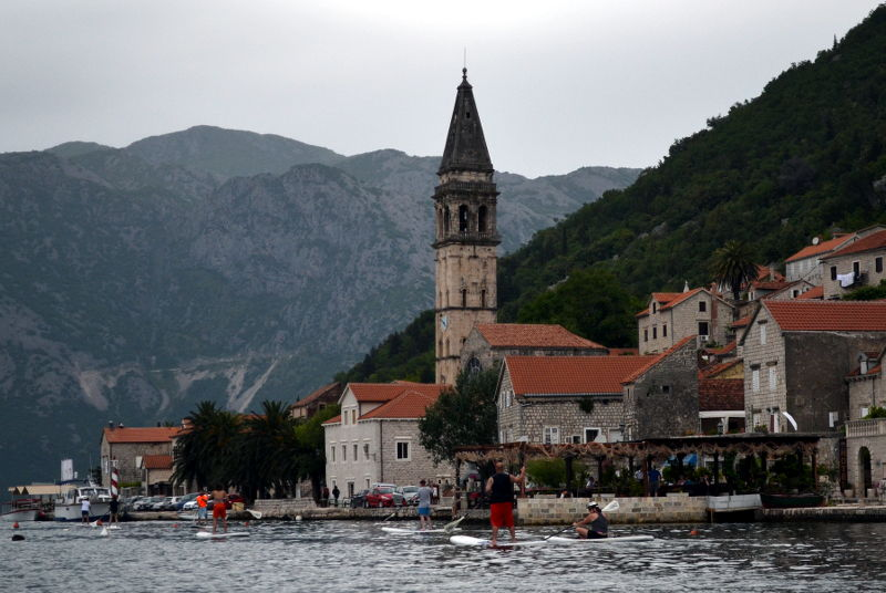 Approaching Perast from the bay - meanderbug