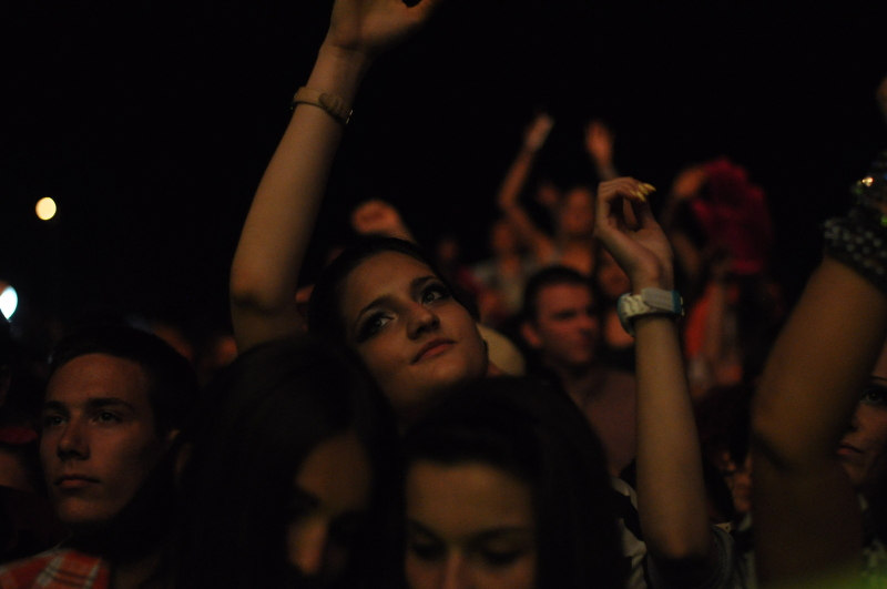 crowd-seadance-meanderbug