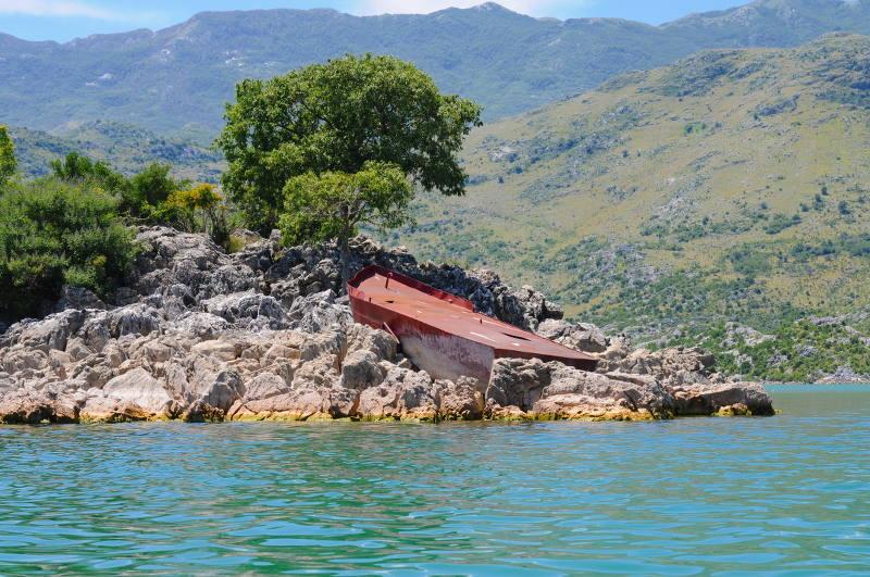 lakeskadar-montenegro-meanderbug