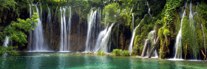 Great destinations of Croatia - Plitvice Lakes National Park - meanderbug