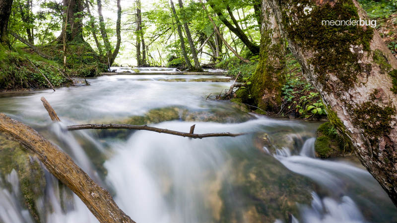 Rushing water at Plitvice National Park - meanderbug