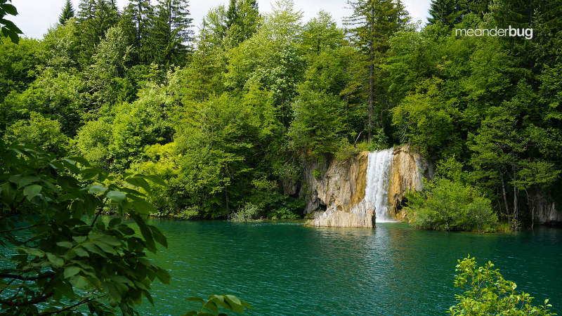 another Plitvice waterfall - meanderbug