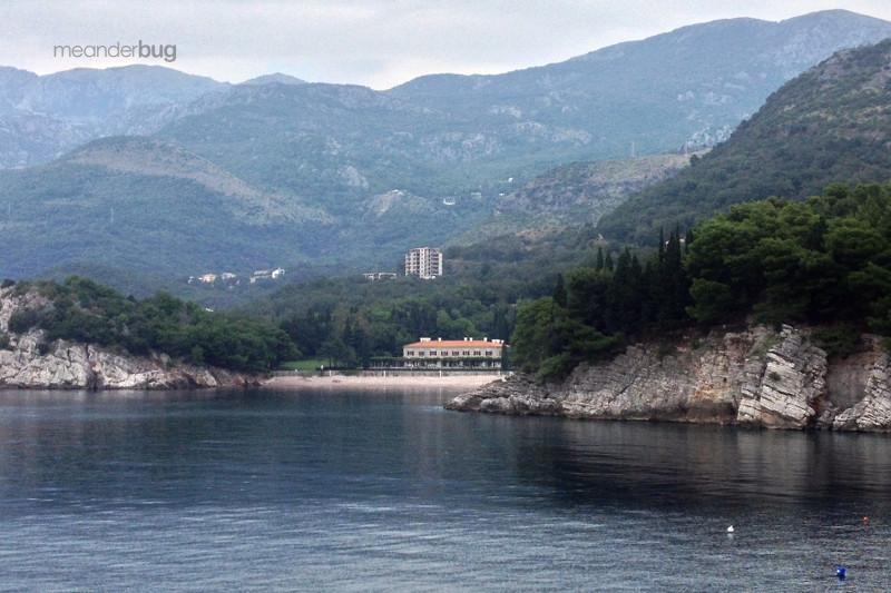 Villa Miločer and the Queen's Beach - meanderbug