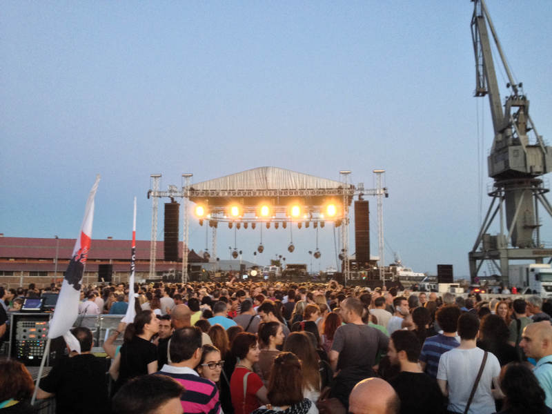 Outdoor concerts in Thessaloniki, Greece - meanderbug
