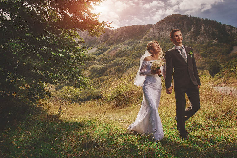 Destination weddings in nature - photo by Alexander Jaredic