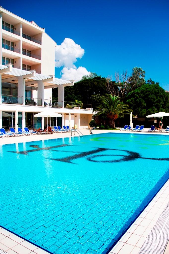 hotel-princess-pool