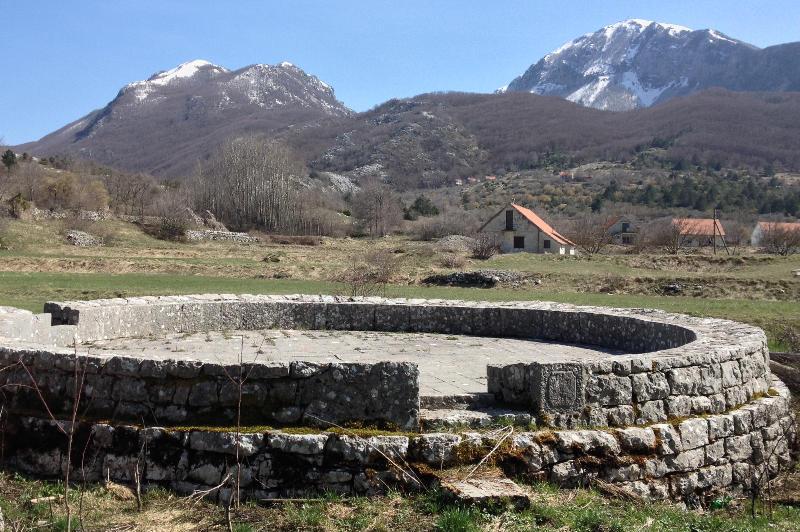 Montenegrin guvno in Njeguši area.