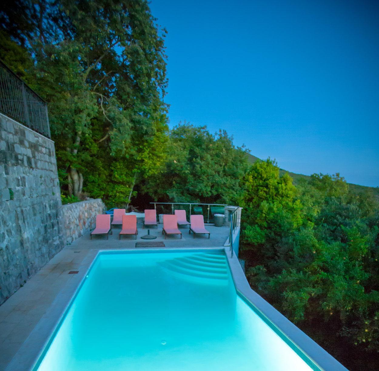 Studio Apartment Bay Area: Klinci Village Resort On Lustica