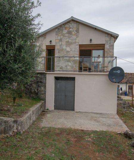 Haustor village house overlooking Skadar Lake