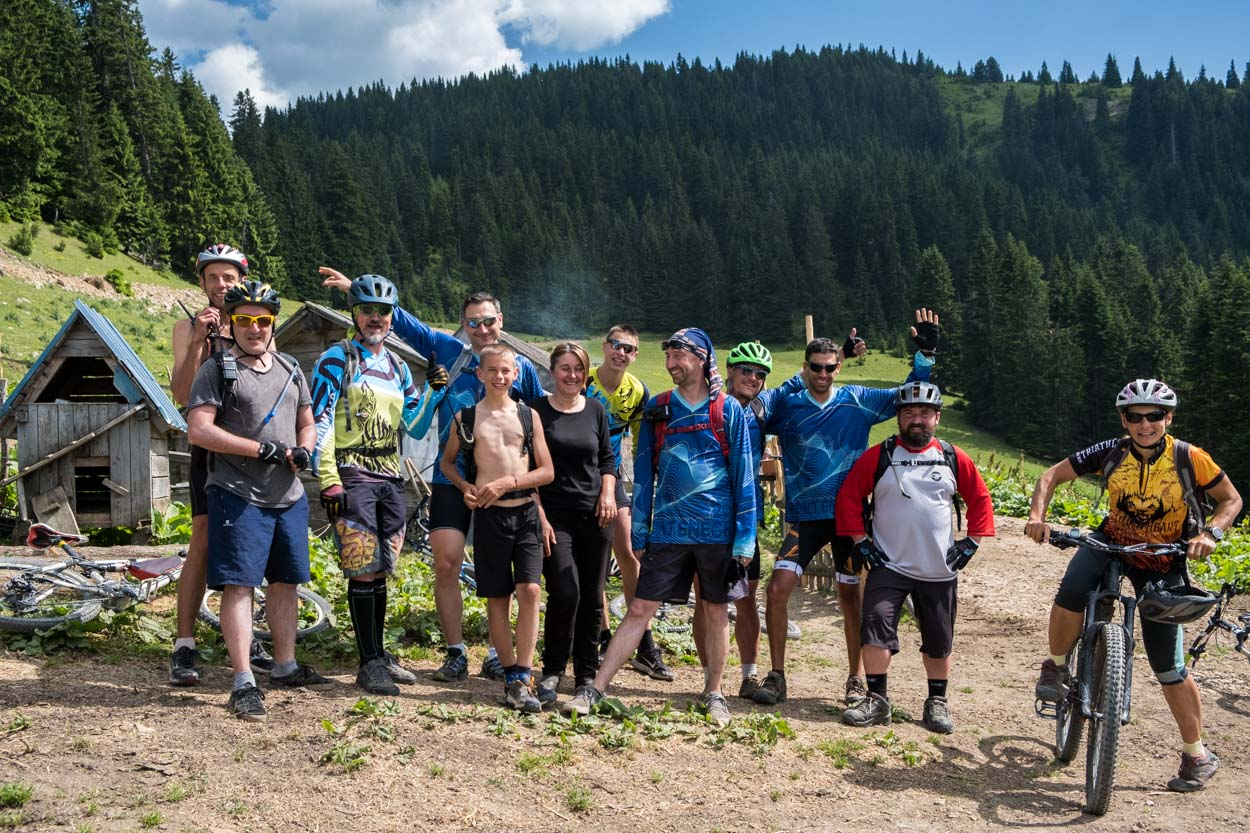 MTB bikers on hut to hut on the katun road